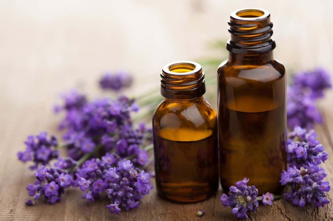 Essential Oil for Swollen Feet: A Complete Usage Guide