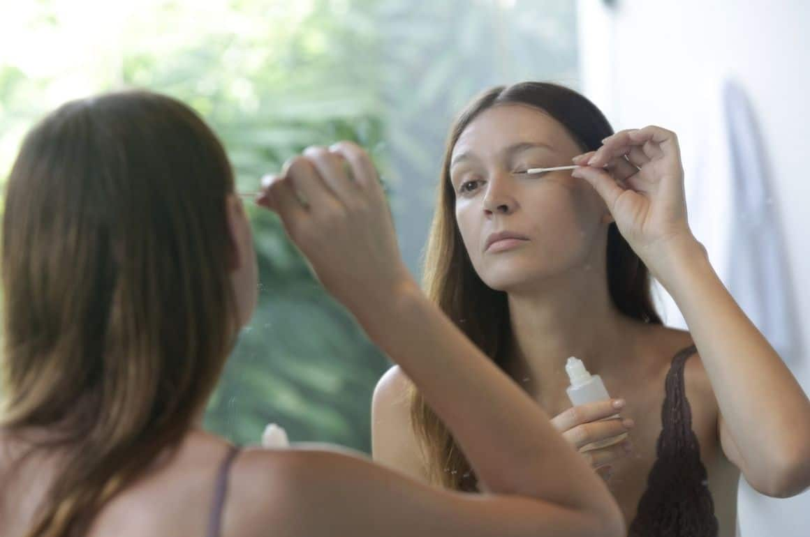 Eyelash Growth Serum DIY